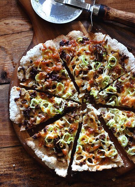 レンコンと牛そぼろのピザ