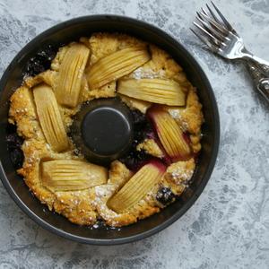 準備10分♪混ぜるだけ!林檎とブルーベリーのホールケーキ(卵・牛乳不使用) - アレルギーっ子も安心♪Kae's毎日ごはん レシピブログ -料理ブログのレシピ満載!