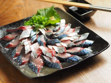 しめ鯖、梅酒を使い、梅風味に作る!