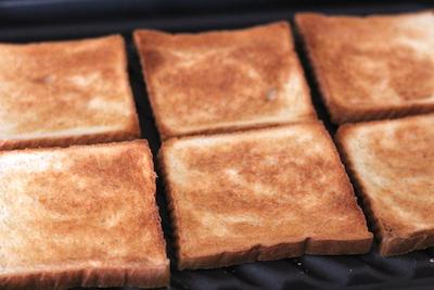 魚焼きグリルでのトーストの焼き方