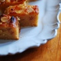 セミドライのフルーツとアーモンドケーキ