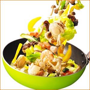 油をひかずに使える万能調味料「パラッと旨炒めペースト」でつくる超カンタン!炒めレシピ