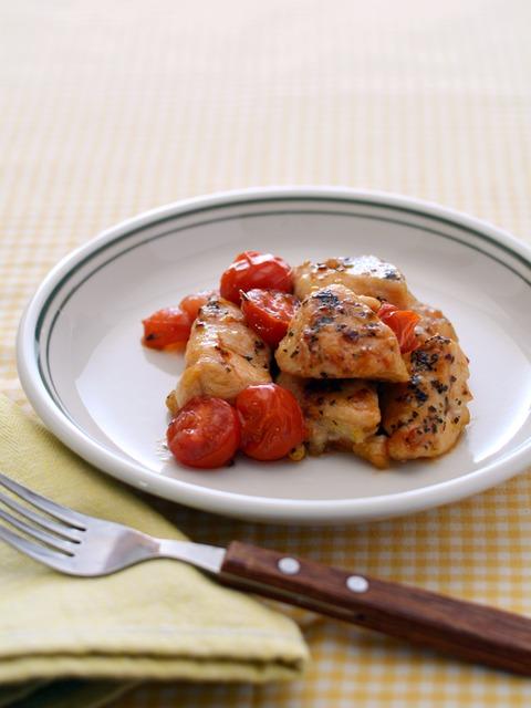 鶏トマトのガーリックバジル炒めR.jpg