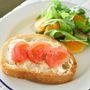 クリームチーズと4種のペパーのメイプルトマトトースト